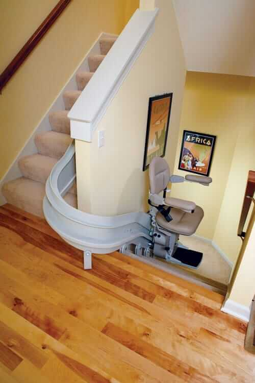 curved-stair-lift